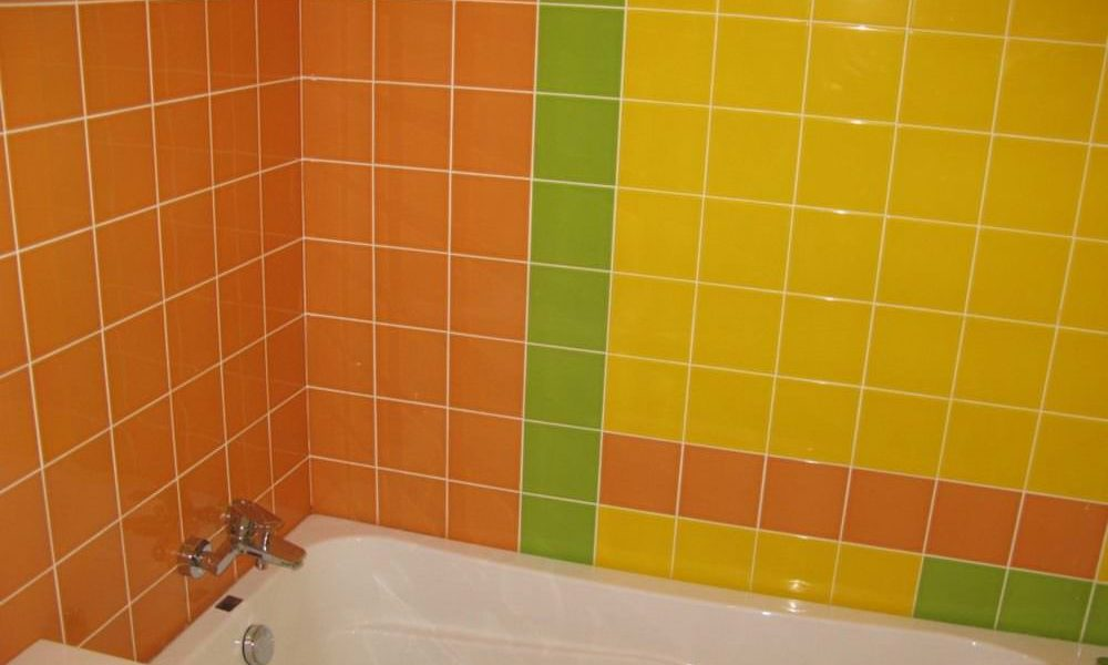 укладка кафельной плитки в ванной
